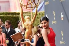 IN PICS: Priyanka Chopra stuns at the Emmys 2016