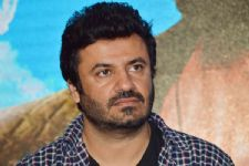 Vikas Bahl questions demand to ban Pakistani artistes!