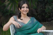 Soha Ali Khan not ready to join politics