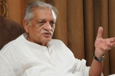 Why Gulzar WALKED OUT in ANGER from an event!