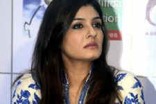 Raveena saves the life of a girl injured in an accident