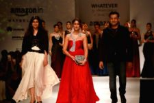 Ileana D'cruz makes a 'Bold Statement' at AIFW!