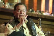 Salim Khan gets stern against DISCRIMINATION in Bollywood !