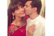 Karan Singh Grover and Bipasha Basu's FIRST Karva Chauth album