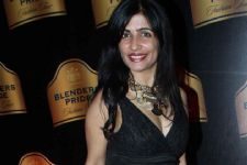 Music, painting have power to heal, says Shibani Kashyap
