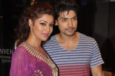 Only if Debina likes the story, Gurmeet will sign the film!