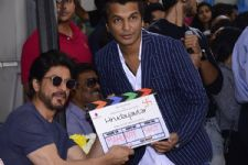 SRK launches Vikram Phadnis' debut film with a muhurat clap
