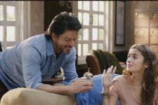 Shah Rukh Khan-Alia Bhatt's Dear Zindagi in TROUBLE,Official Statement