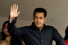 Salman Khan TWEETS post his acquittal in arms case!