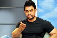 Aamir Khan REVEALS the reason why he is not keen to go to Hollywood!