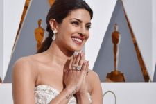 Priyanka Chopra RESUMES shoot post injury!