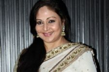 Rati Agnihotri and her husband booked for Electricity THEFT