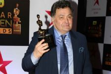 Rishi Kapoor ADMITS that he BOUGHT an AWARD for 30,000!