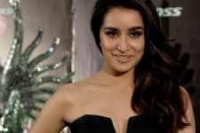 Shraddha Kapoor clears the air, refutes RUMORS regarding her team!