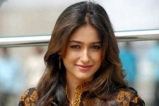 Ileana D'cruz has been a VICTIM of EVE TEASING!