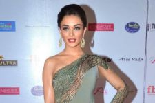 Amy Jackson to resume shoot for '2.0'