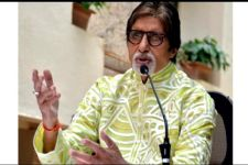 Big B goes on Valentine's day date and it wasn't with Jaya Bachchan!