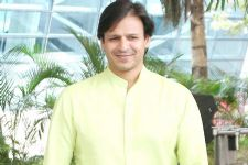 Vivek Oberoi keen to play custom officer