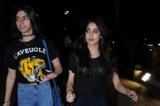 Hotness Alert! Jhanvi Kapoor is here!