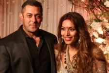 Looking forward to perform with Salman Khan: Bipasha Basu