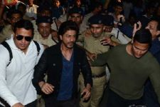 Shah Rukh Khan SUMMONED by Vadodra police in Raees promotion case!