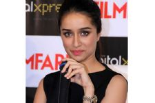 "Shraddha Kapoor on becoming a ""Half Girlfriend"" in REAL life"