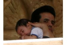 Tusshar Kapoor is setting some major Daddy goals!