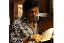 Superstar Shah Rukh Khan TROLLED for his MARKS in ENGLISH!