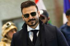 #CONFESSION: Vivek Oberoi STEALS from his OWN home!