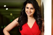 Parineeti Chopra's ex-classmate slams her on FB, calls her a LIAR!