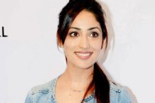 Yami Gautam's interest for online shopping!