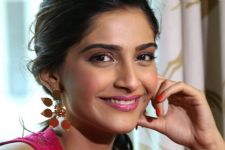 B-Town wishes 'WARRIOR PRINCESS' Sonam Kapoor on birthday