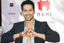 Varun Dhawan finds LOVE