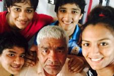 Mahavir Phogat wants to take part in 'Khatron Ke Khiladi'