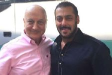 Salman wishes luck to Anupam Kher for 'Ranchi Diaries'