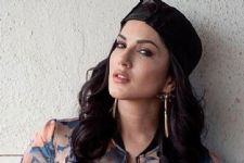 Sunny Leone's 'chance to dance' on Broadway jazz!