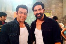 Salman literally had to convince Akshay for casting this TV actress?
