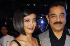 Kamal Haasan to watch 'Vivegam' with daughter Akshara