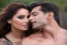 Bipasha Basu says, she feels no wrong in endorsing condoms