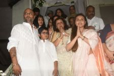 Entire Bollywood attends Ram Mukherjee's prayer meet