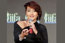 Talks on pay disparity headed in positive direction: Sonakshi