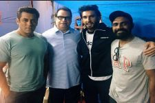 Ranveer Singh visits the sets of Race 3
