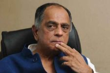 Films shouldn't be victim of politics: Nihalani