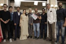 Aamir Khan Gives the Mahurat Clap for Anil - Madhuri's Total Dhamaal