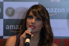 An irritated Bipasha SLAMS the paparazzi on her pregnancy rumours