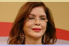 WHAT?Zeenat Aman's molester not only HARASSED her but also CONNED her