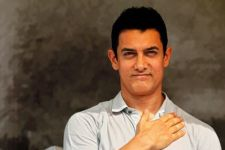 Aamir Khan's REACTION to Artist who PAINTED 285 Slum Houses