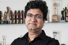 Nobody's voice should be called fringe voice: Prasoon Joshi
