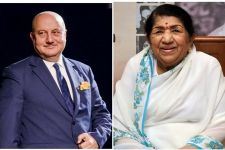 Lata Mangeshkar's phone call is an award in itself: Anupam Kher
