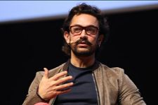 Rise above difference to bring about change, urges Aamir